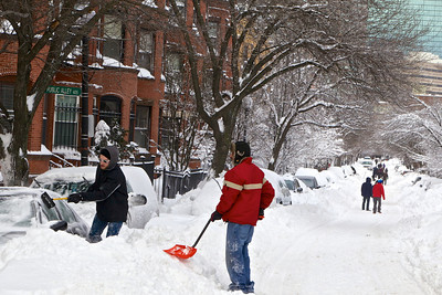 The digging out continued across Boston and New England on Sunday. (BU News Service photo)