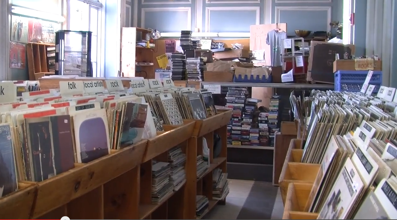 CDs are phasing out as vinyl records are slowing coming back. Yani Carter reports that vinyl albums are back on shelves and college students' turntables.